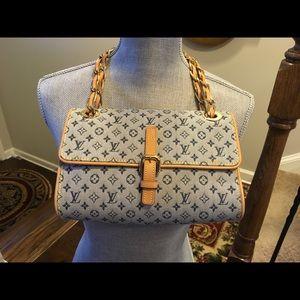 Louis Vuitton Crossbody purse 100% Authentic